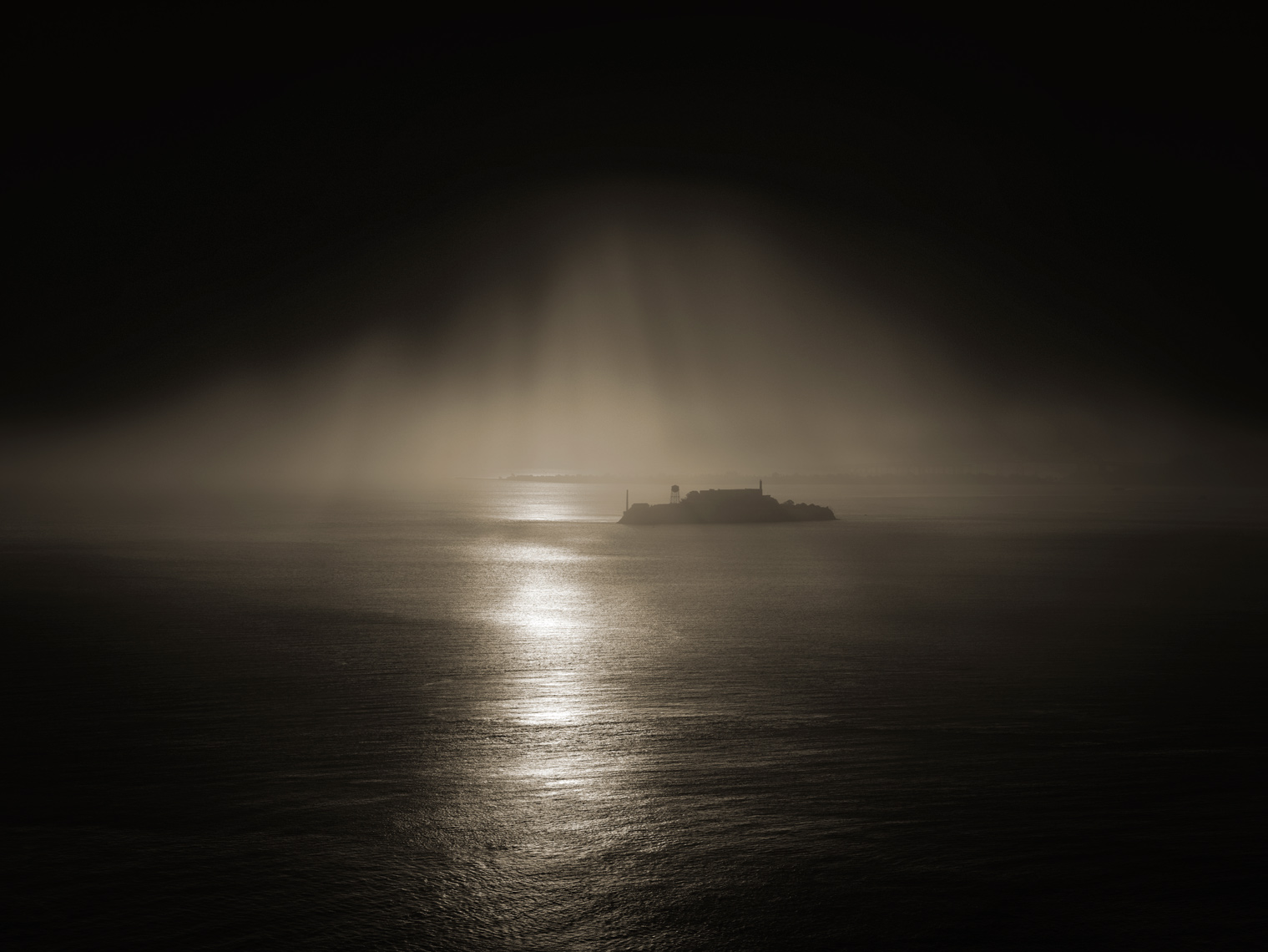 Art photographer, Alcatraz, San Francisco, ocean, water, waves, dawn
