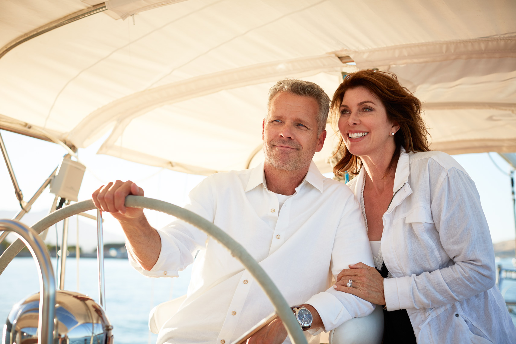 lifestyle photographer, advertising photographer,couple on the sailboat, husband and wife, wealthy people, ocean, sailing, san francisco, bay, summer